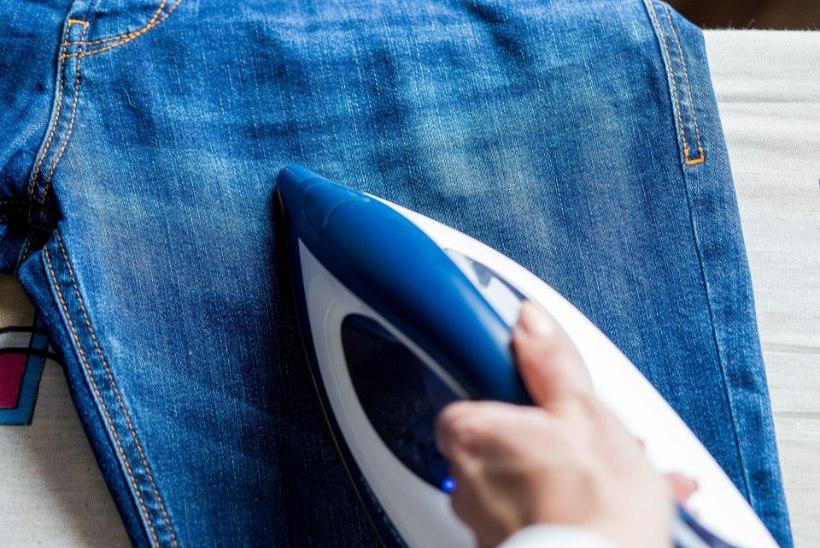 Viis nippi, kuidas väljaveninud teksad taas vormi saada