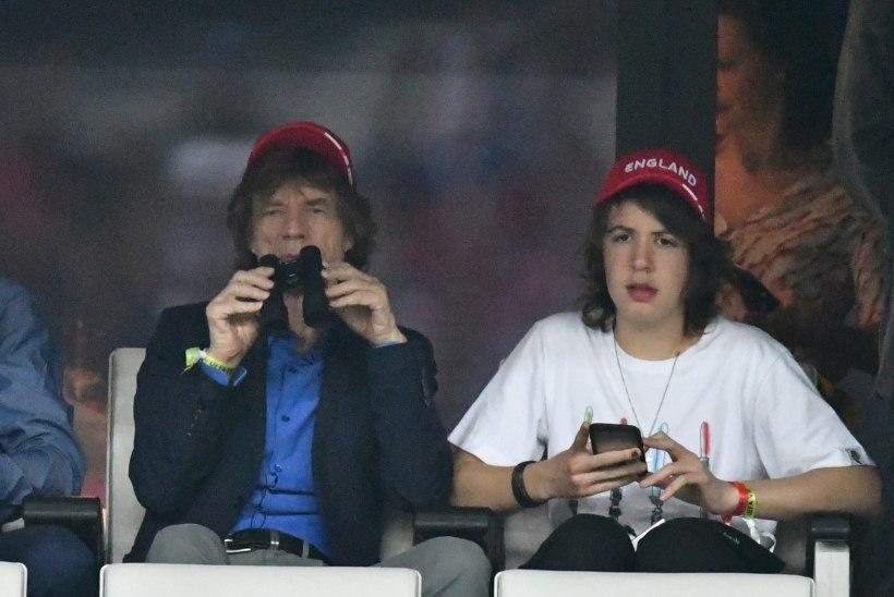 Mick Jaggeri poeg lasi oma kõrvad väiksemaks lõigata?