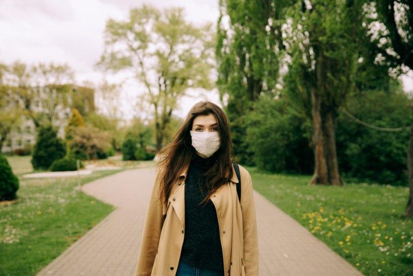 Nahaarst annab nõu: kuidas hoolitseda maski kandmise perioodil näonaha eest