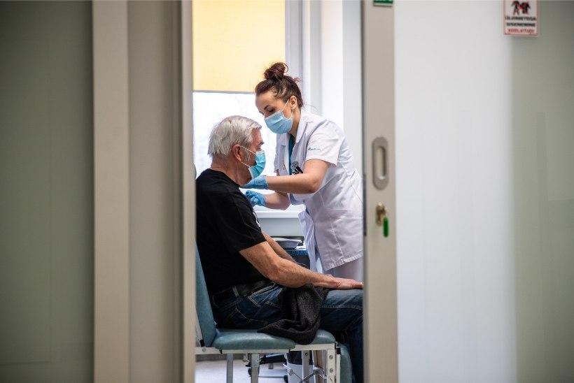 ÜKS PEREARST, KAKS KOGEMUST: 75aastane Liidi pole vaktsiini saanud, tema 85aastane tuttav aga küll! Mille taha vaktsineerimine takerdub?