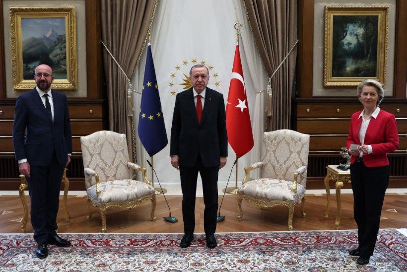 VIDEO   Euroopa Komisjoni president jäeti Türgis toolita