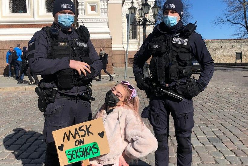 Tiktokker Roosabanaanike olukorrast Toompea protestil: öeldi, et olen loll ja mu maski sees elavad ussid