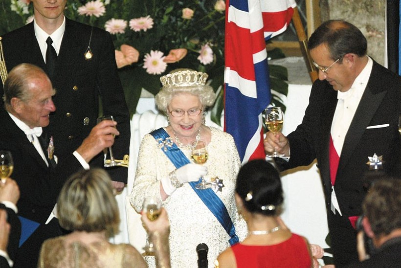 FOTOMEENUTUS TALLINNA VISIIDIST   Puhka rahus, auväärt prints Philip!