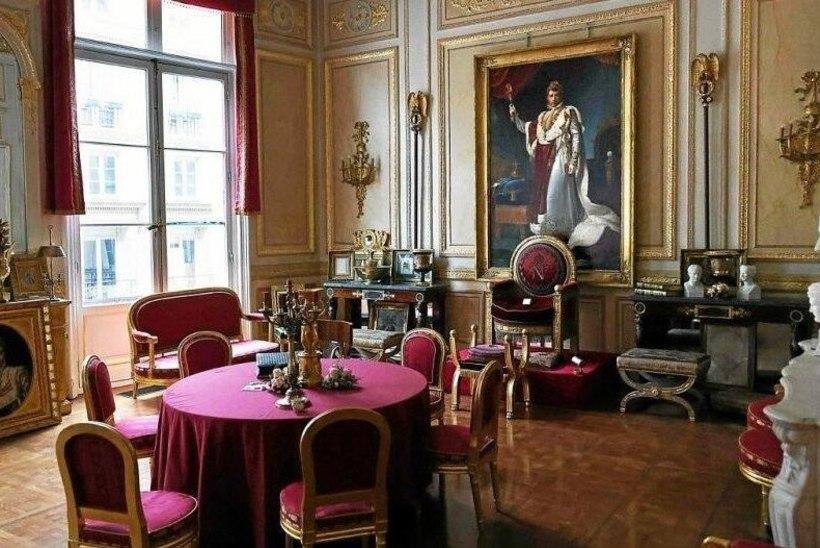 Pariis: pööblile piirangud ja keelud, aga koorekihile omad salakõrtsid?