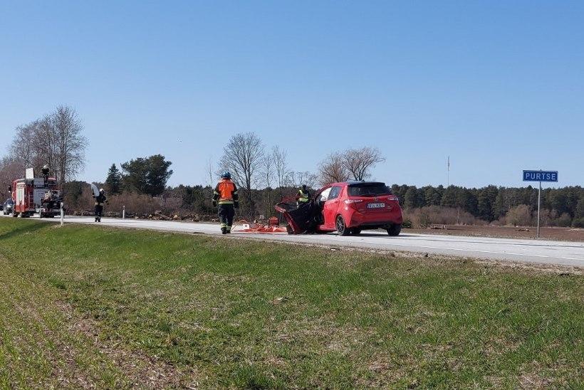 Kaks päeva järjest samas kohas liiklusõnnetus! Purtse külas põrkasid kokku kolm sõidukit