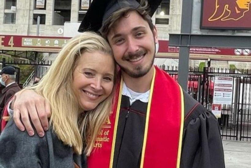 """KUIDAS KÜLL AEG LENDAB: """"Sõprade"""" tähe poeg lõpetas ülikooli"""