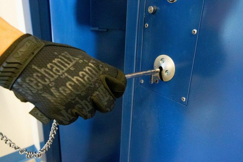 SURM VANGLAMÜÜRIDE TAGA: ligi viiendik vangidest on mõelnud enesetapule