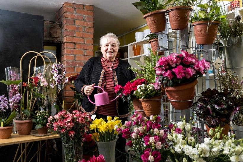 69aastaselt väikeettevõtjaks!  Aiandushobi tegi Turbas elavast Viivest lillepoe perenaise