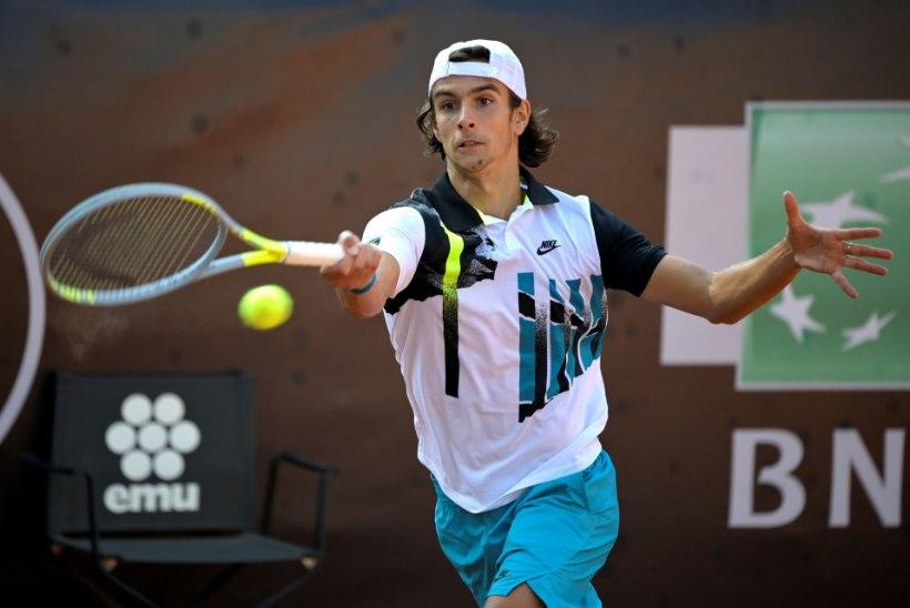 Itaalia tennisist esitas kohtunikule väljakutse: kui sul on mune, siis tule välja – löön su maha!