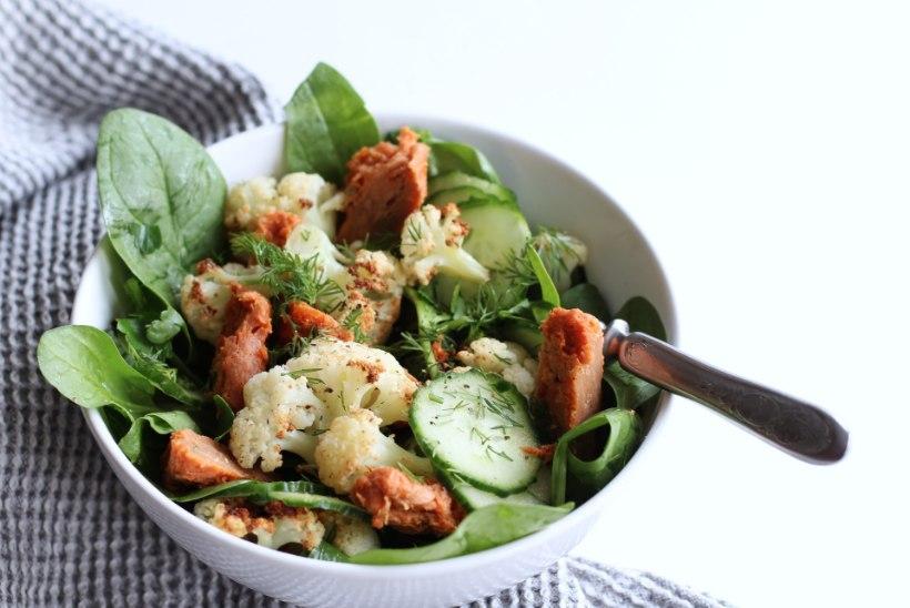 KUI GRILLIMISEKS NAPIB AEGA |  Röstitud lillkapsa salat barbeque-kanaga