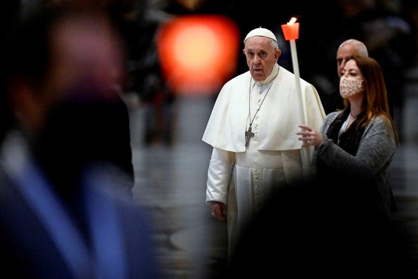 Paavst Franciscus alustas kuuajalist palvemaratoni võitlemaks pandeemia vastu