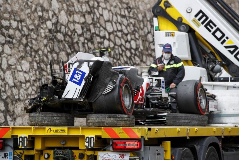 VIDEO | Schumacher sõitis vabatreeningul oma masina puruks