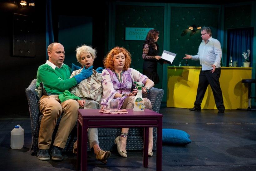Endla teatris pärjati publikulemmikuid: võidutsesid mõrvakomöödia ja suisa kaks näitlejannat!