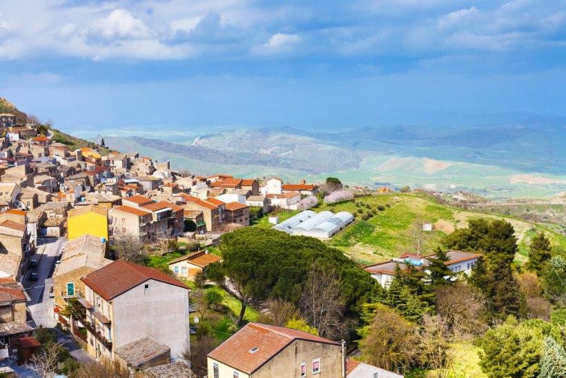 MAJA ÜHE EURO EEST? Kuidas kujuneb Itaalia väikelinnade üliodava kinnisvara tegelik hind?
