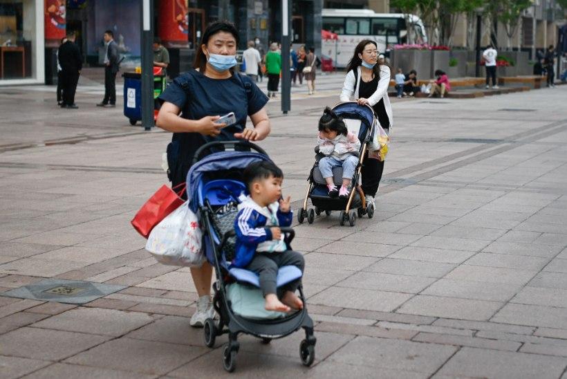 KAHE ASEMEL KOLM: Hiina leevendas pereplaneerimise poliitikat