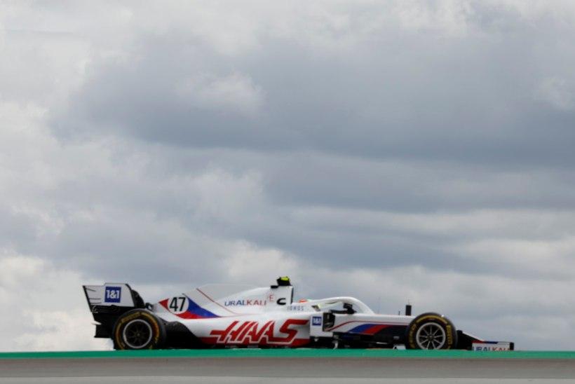 Esimest korda F1-s konkurendi alistanud Schumacher sai legendaarselt tiimijuhilt kiita