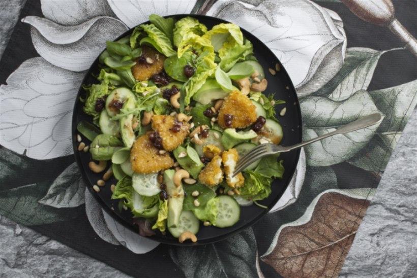 Pohlavinegretiga Camemberti-salat