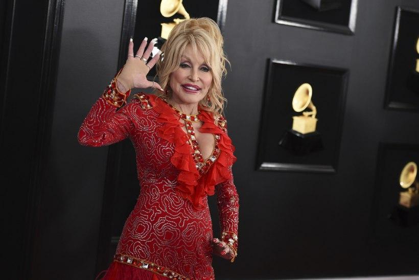 Kas aimad, miks Dolly Parton õhtuti meiki maha ei võta?