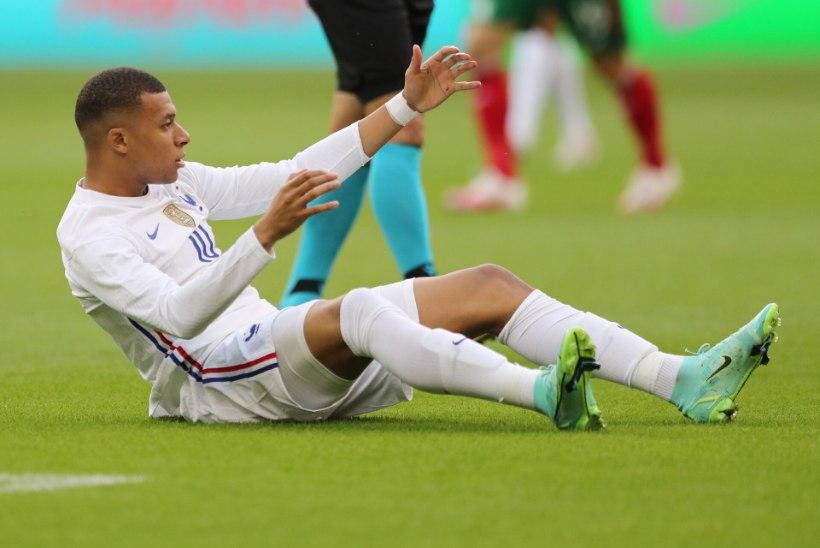 SISEPINGED MAAILMAMEISTRITE RIDADES: Giroud' kommentaar ajas Mbappe närvi