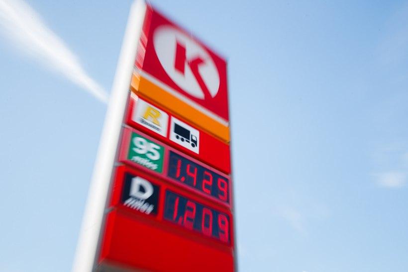 FOTOD | KOROONA TAANDUMISE KÕRVALNÄHT: kütusehinnad sihivad rekordit