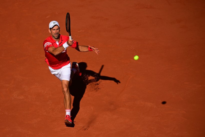 Rongi alt välja tulnud Novak Djokovic võitis Suure slämmi ja liigub ajaloo edukaima mängija tiitli kursil