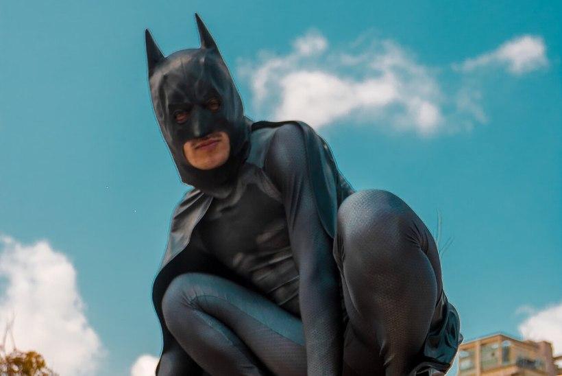 """""""TEINE TASE""""   Miks vihkab Batman suuseksi?"""