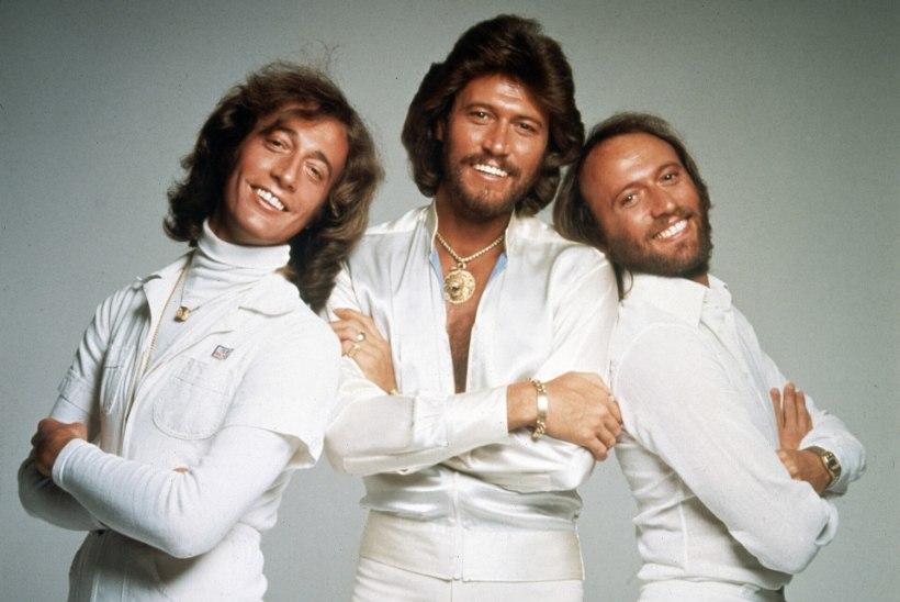 NIGHT FEVER! Foo Fighters annab välja plaadi Bee Geesi kaveritega
