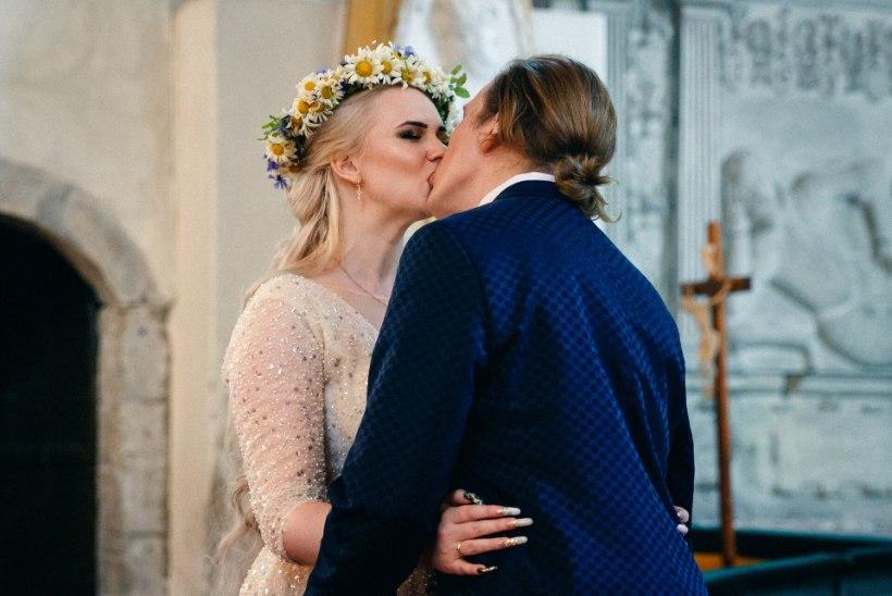 """VIDEO JA GALERII   Tõsielustaar Helen Kõpp sõudis abieluranda: """"Väga uhke on ärgata abikaasaga!"""""""