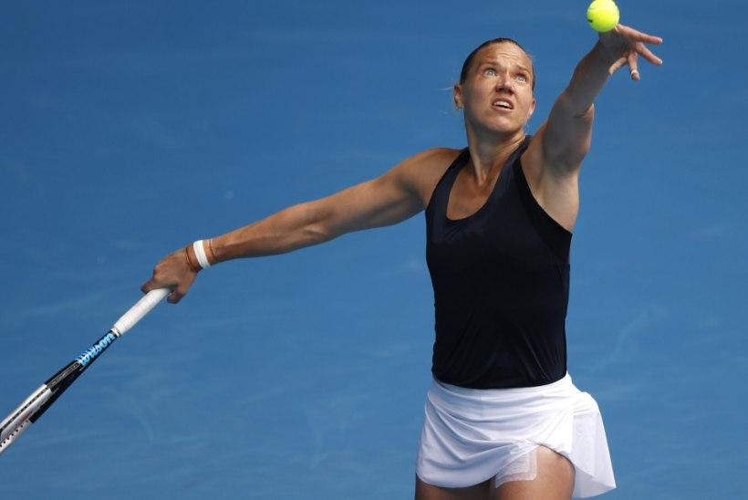 BLOGI: Kanepi kaotas Wimbledoni avaringis venelannale, Kontaveidi mäng lükati edasi