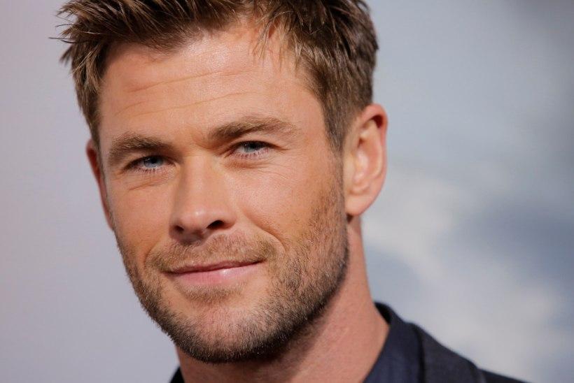 Chris Hemsworth tähistas filmivõtete lõppu pildiga, mis demonstreerib ta hiiglaslikke muskleid