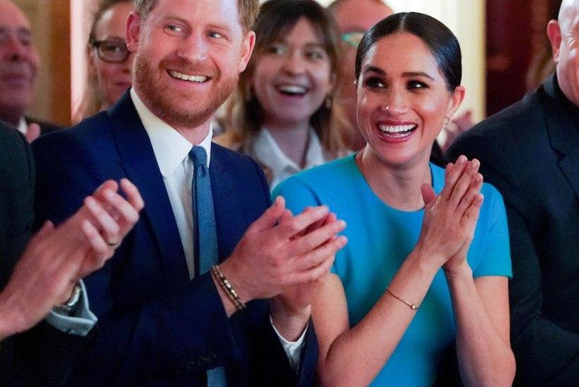 Kuninglik pere õnnitleb Harryt ja Meghanit tütre sünni puhul