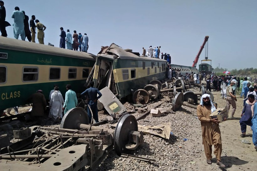 Pakistani rongiõnnetuses hukkus 30 inimest