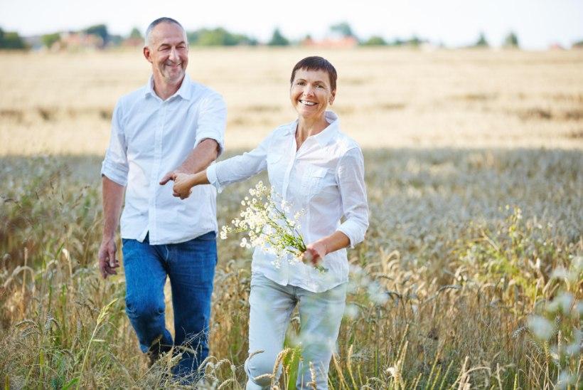 KAS KÕNNID KIIRESTI VÕI LOHISTAD JALGU? Vaata, mida reedavad sammud sinu tervise kohta!