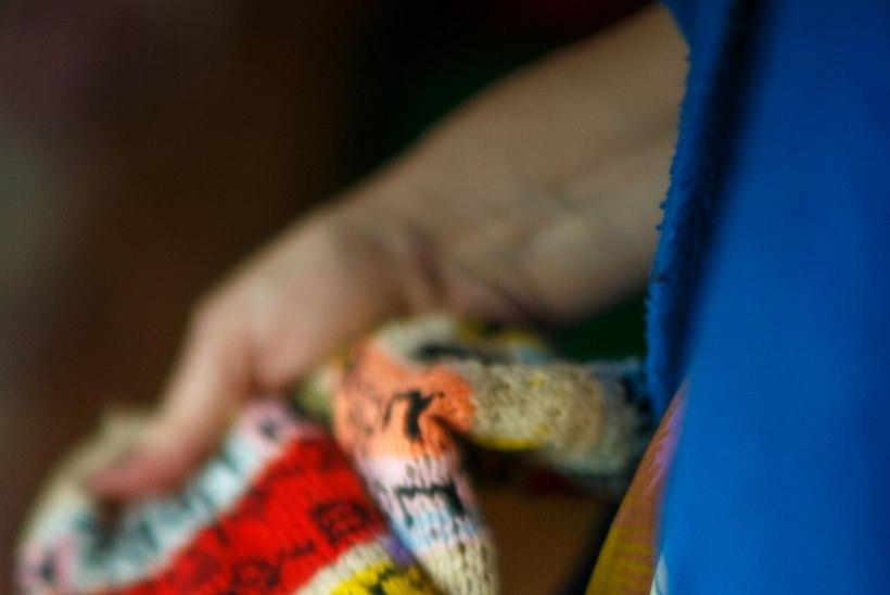 Näitleja Kersti Heinloo suvi möödub sokke kududes: kui olin üliinspireeritud, ärkasin hommikuti vara ja hakkasin kohe kuduma