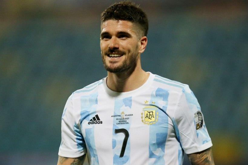 Argentina karikavõiduni aidanud poolkaitsja liitus Hispaania meistriklubiga