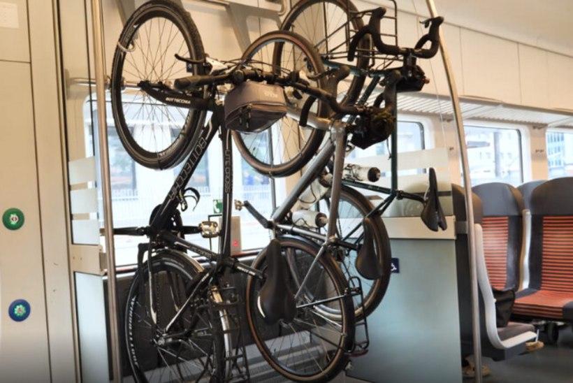 """ÕL VIDEO   Elroni rattapilet valmistab reisijatele segadust: """"See on nukker, sest ma pole väga probleeme näinud. Enamasti on neid rattakonkse ülegi."""""""