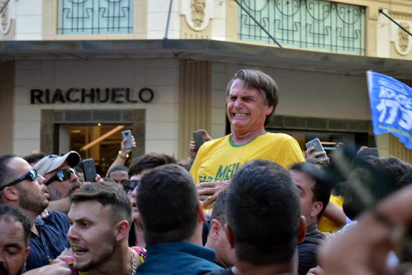 Luksuv ja kõhuvaludes Jair Bolsonaro viidi haiglaravile