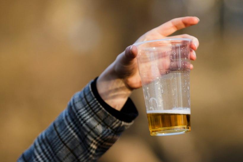 Lugejakiri | Häiritud paarike: mees jõi õlut ja lükkas lapsekäru – meie nii ei teeks!