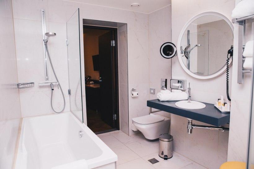 Lugejakiri | Hotellitöötaja rõõmud: tuba oli täis kasutatud mähkmeid, vann oli verine ja voodilinad plekilised
