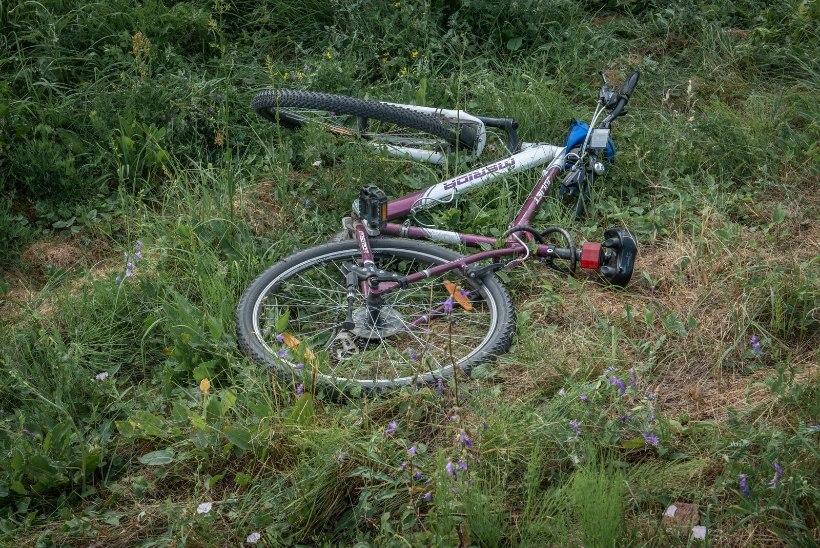 FOTOD | Tartus jäi rongi alla 21aastane jalgrattur