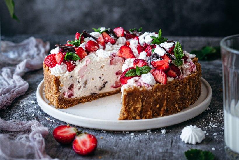RAGNE VÄRK KINNITAB: kuumalaine ajal päästavad peolaua küpsetamata koogid – 4 suus sulavat retsepti