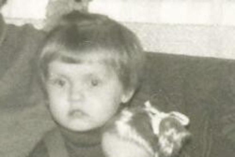 VALUS PIHTIMUS: olin alles kolmene, kui vanaisa mind kuritarvitas. Ta silmad olid võõrad ja ta irvitas seda tehes