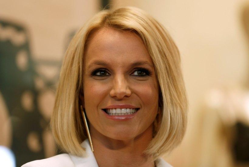 Endine ihukaitsja: Britney'le anti iga nädal hunnik kangeid ravimeid