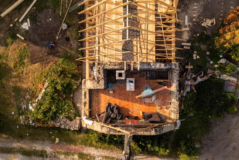 FOTOD   KÄIB TÖÖ JA VILE KOOS! Urmas ja Mari Viik taastavad oma mahapõlenud mõisahoonet: see kõik toimub annetuste toel, kindlustusrahasid ju pole