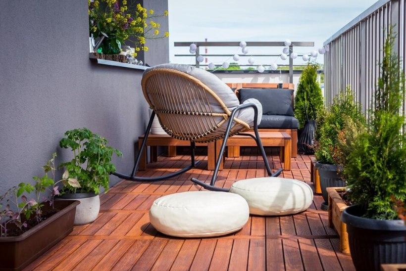 Ehitajate ootejärjekorrad on uskumatult pikad? Selle kvaliteetse materjaliga ehitad terrassi ise – ilma tööriistu kasutamata!
