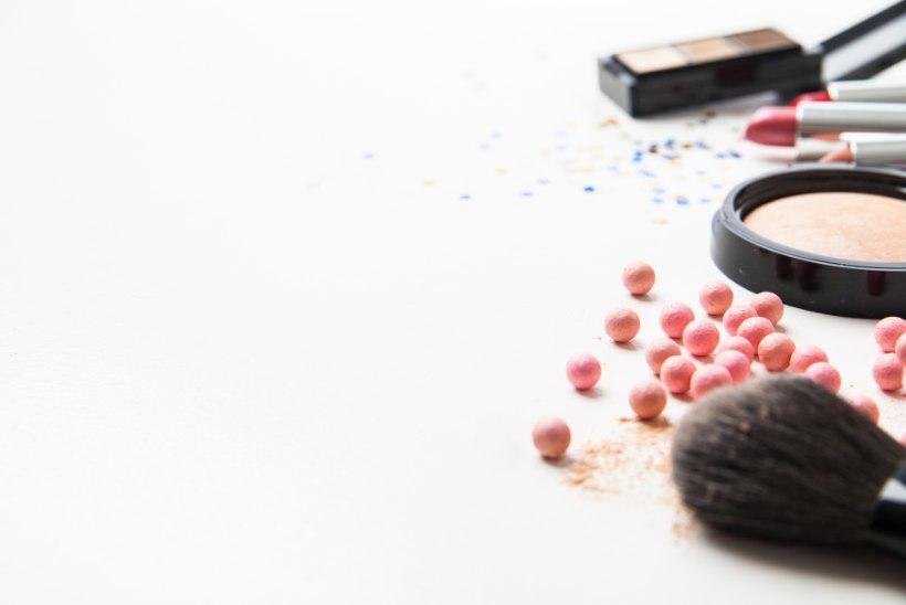 Aiapidu ootab – mida kanda, kuidas sättida juukseid ja kuidas teha meik?