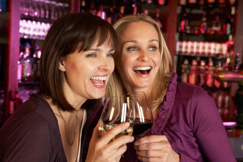 Gastroenteroloog selgitab: lahja alkohol on maksale sama ohtlik kui kange alkohol