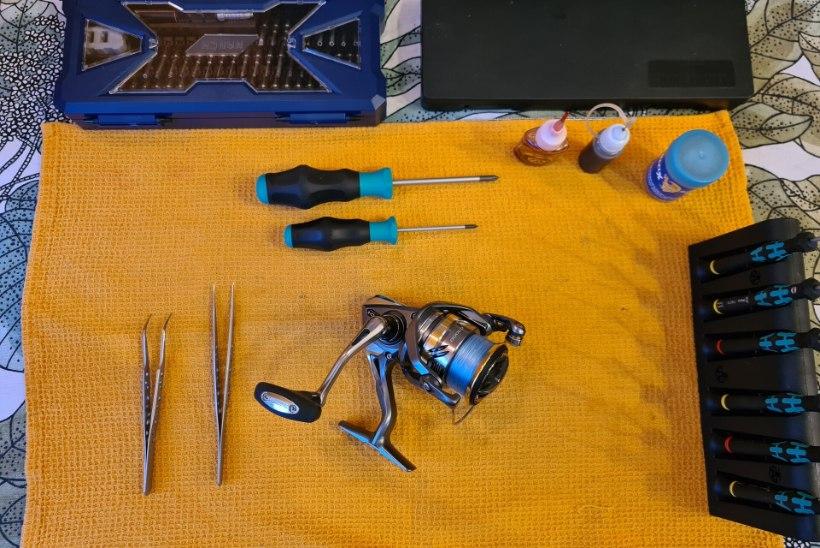 Inertsivabade rullide hooldusest: mida saab iga kalamees ise ära teha, et rull kestaks kauem   IV osa. Hooldame loogaõlgade ja rootori vahelist sõlme