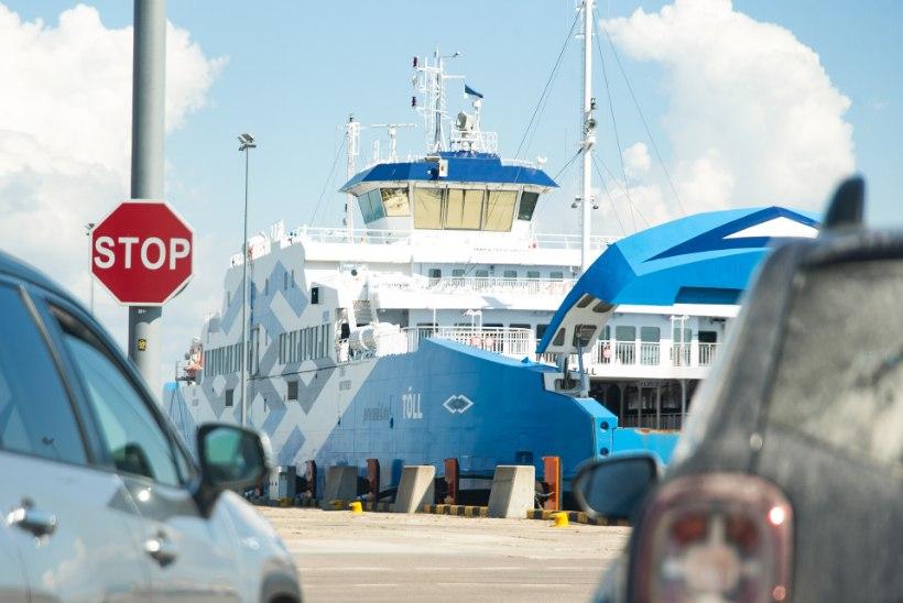TS Laevad alustas taas Saaremaa praamidele piletimüüki
