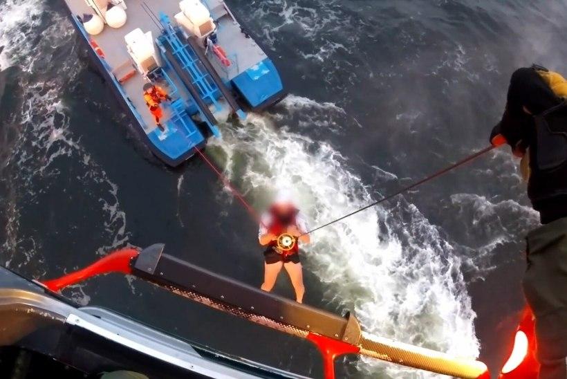 VIDEO | Piirivalve päästis Keri saare lähedalt kaks purjekaga ümber läinud meest